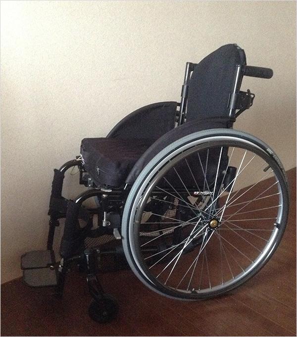 床から車椅子に上がる方法